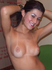 Watch As A Very Cute Cindy Strips Out Of Her Tiny Pink Bikini And Shows Off Her Perfect Tits - Picture 6