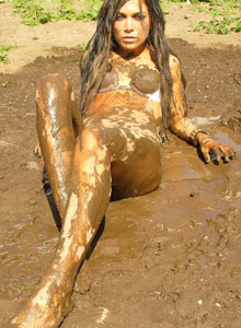 Watch As Deja Rolls Around In The Mud In Her Bra And Panties - Picture 11