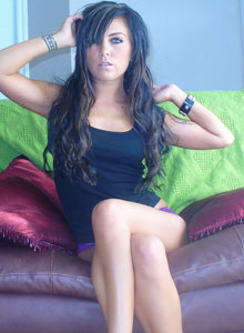 Look Into Dejas Amazing Eyes As She Strips On The Couch - Picture 3