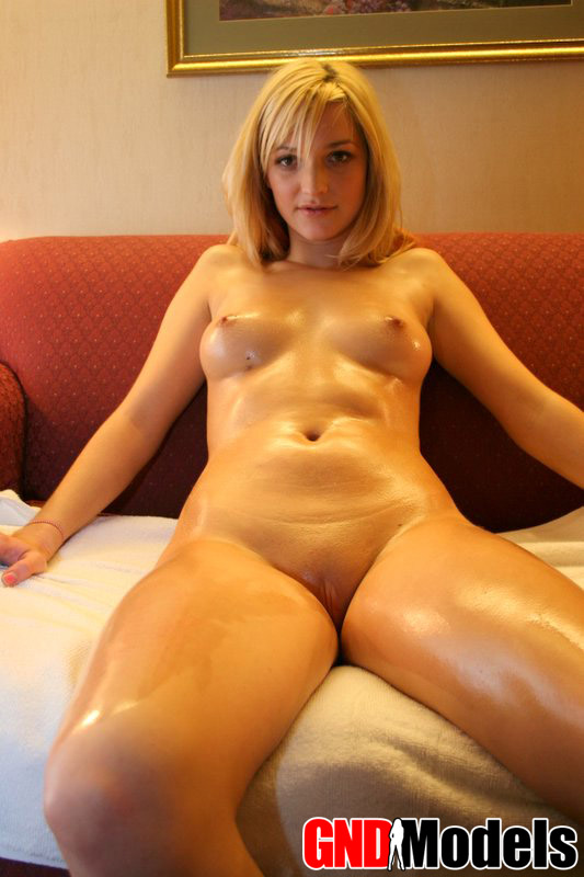 Girl next door holly hammering her pussy in pantyhose 6
