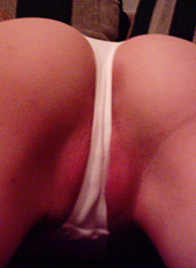 Sara Loves To Show Off Her Tight Perfect Ass - Picture 8